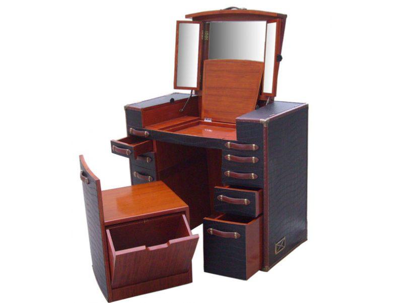 Coiffeuse meuble noir coiffeuse moderne mlicia u noir for Meuble coiffeuse ancienne