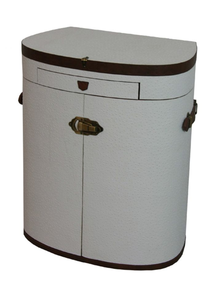 Understated, elegant and practical, the portable dressing table Marie