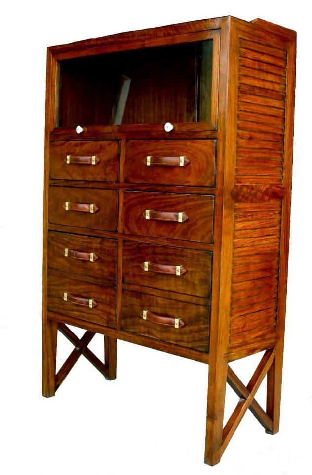 semainier six tiroirs une vitrine drakar. Black Bedroom Furniture Sets. Home Design Ideas