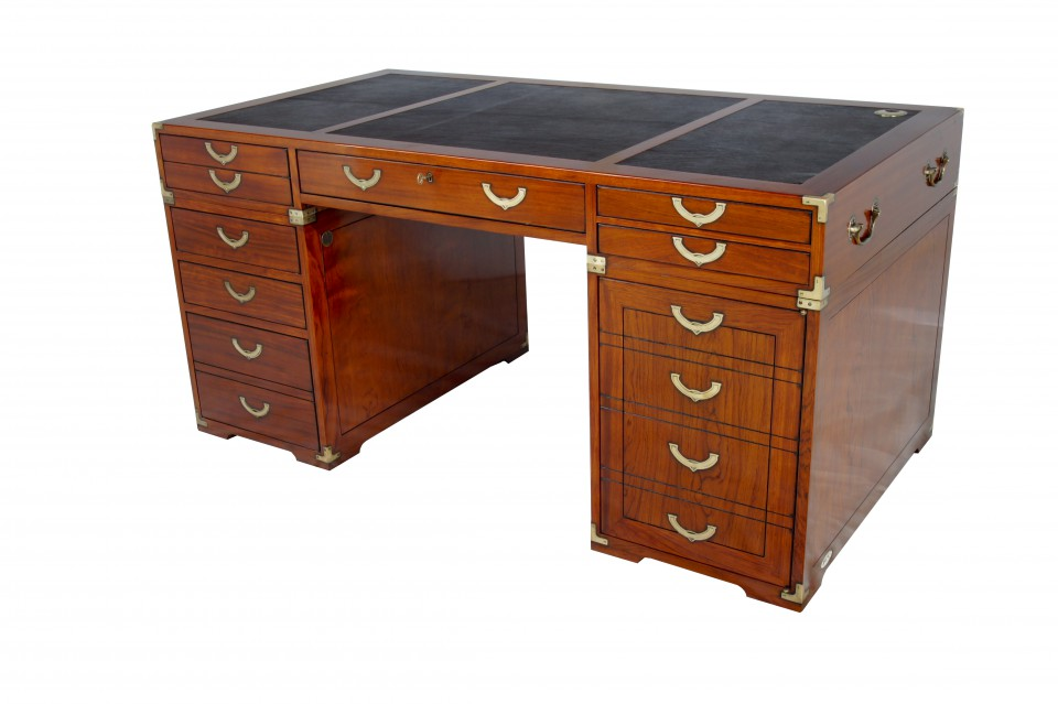 bureau sept tiroirs une porte richelieu. Black Bedroom Furniture Sets. Home Design Ideas