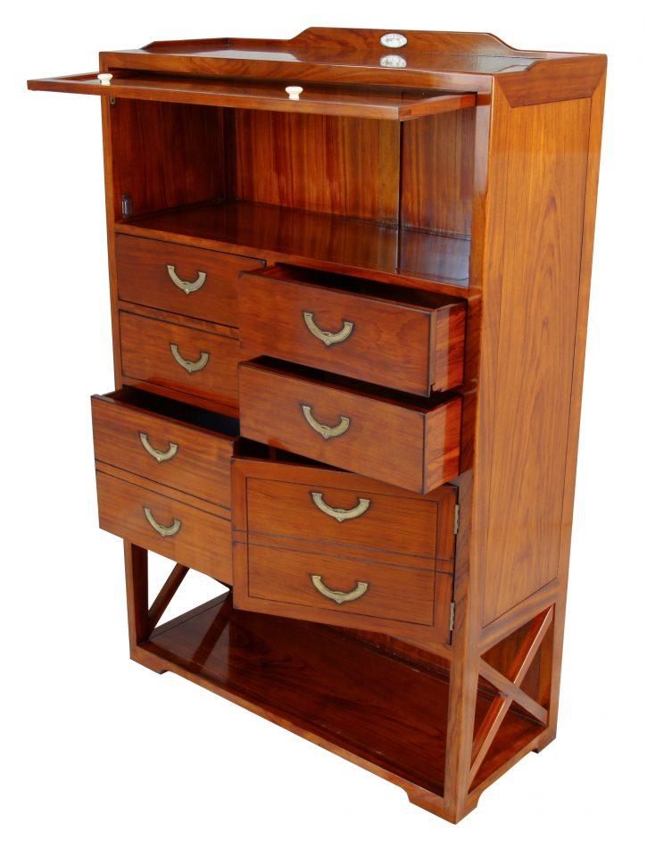 semainier une vitrine et six tiroirs drakar. Black Bedroom Furniture Sets. Home Design Ideas