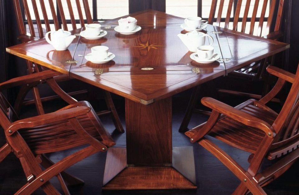 table carr pliable de grasse. Black Bedroom Furniture Sets. Home Design Ideas