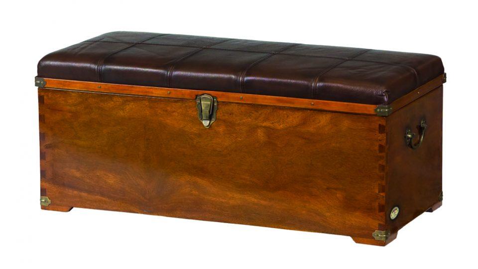 coffre bois assise cuir auckland. Black Bedroom Furniture Sets. Home Design Ideas